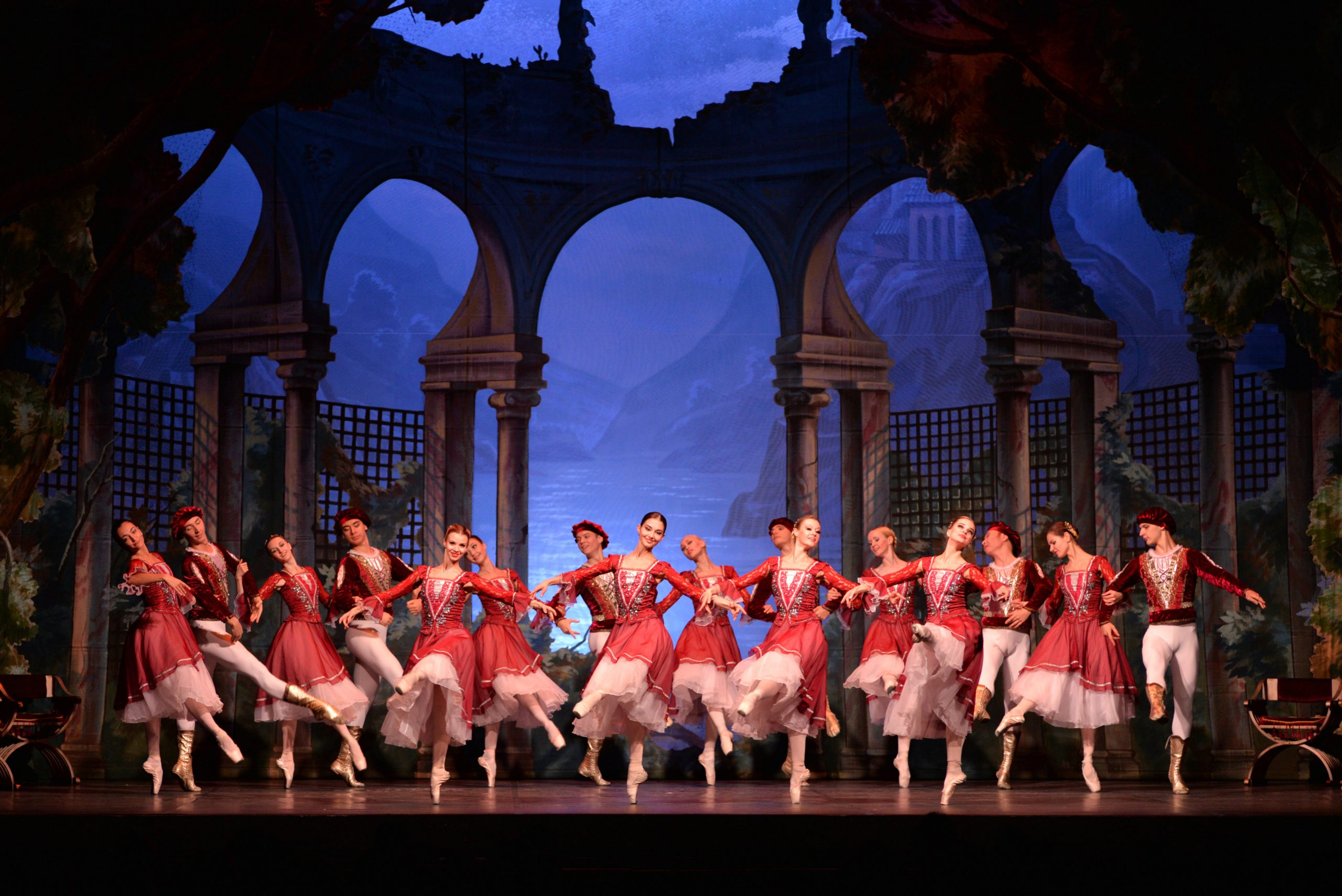 Il Lago dei Cigni – la storia d'amore del balletto classico
