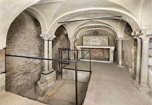 Basilica di Sant'Ambrogio a Milano, particolare dei sotterranei